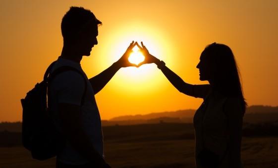 Kenali Tanda Pasangan Berselingkuh
